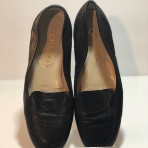 CHANEL - Black loafers
